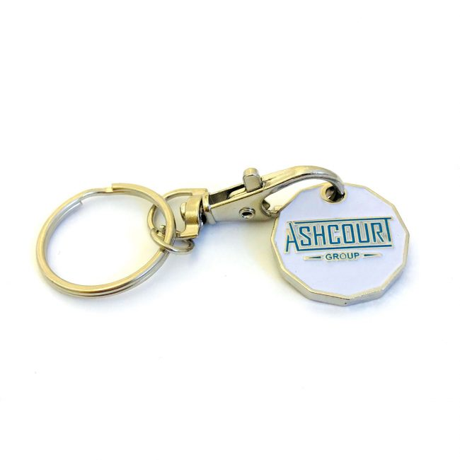 Ashcourt logo on white trolley coin with keychain