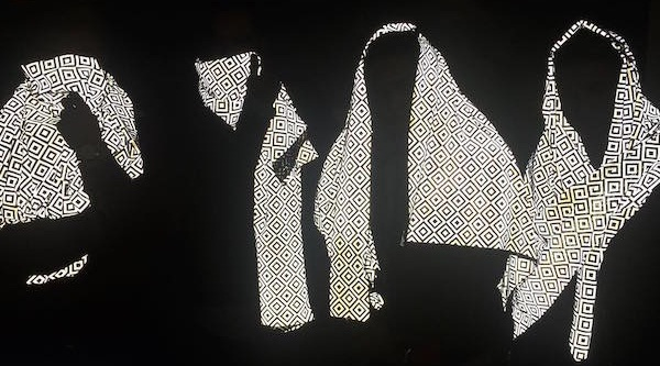 invisible scarf, anti paparazzi scarf